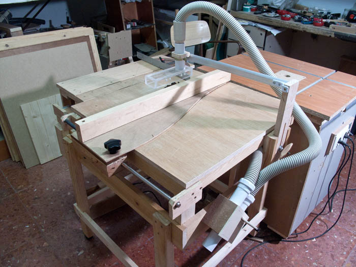 ... the circular saw would require a muchlarger hole in the plywood top