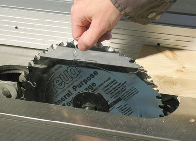 Fixing the wobble in a table saw arbor checking the arbor greentooth Choice Image